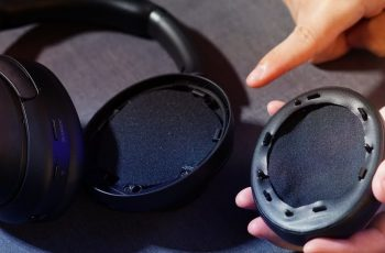replacement-of-earpads-in-headphones